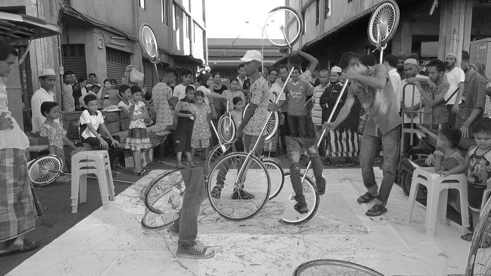 Pusat Bandar Utara Selayang, 160530 (3 Painters : 2 Wheels)