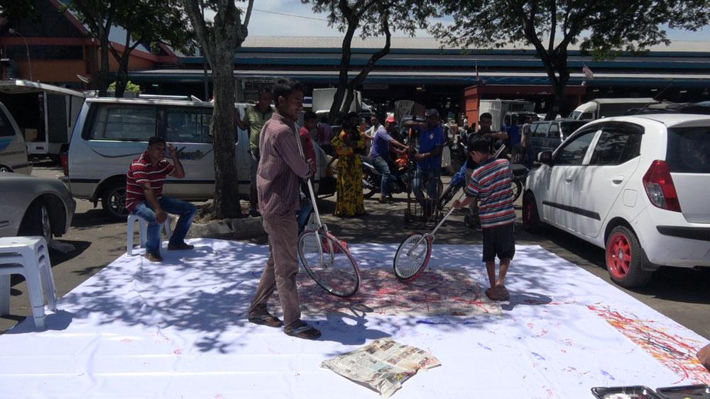 Pusat Bandar Utara Selayang, 160530 (5 Painters : 2 Wheels)