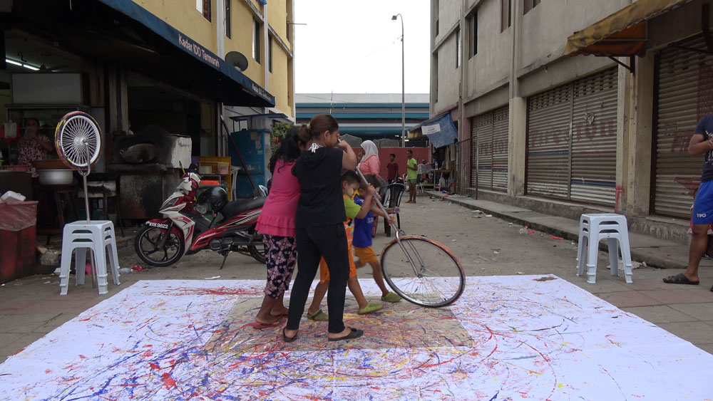 Pusat Bandar Utara Selayang, 160531 (7 Painters : 2 Wheels)