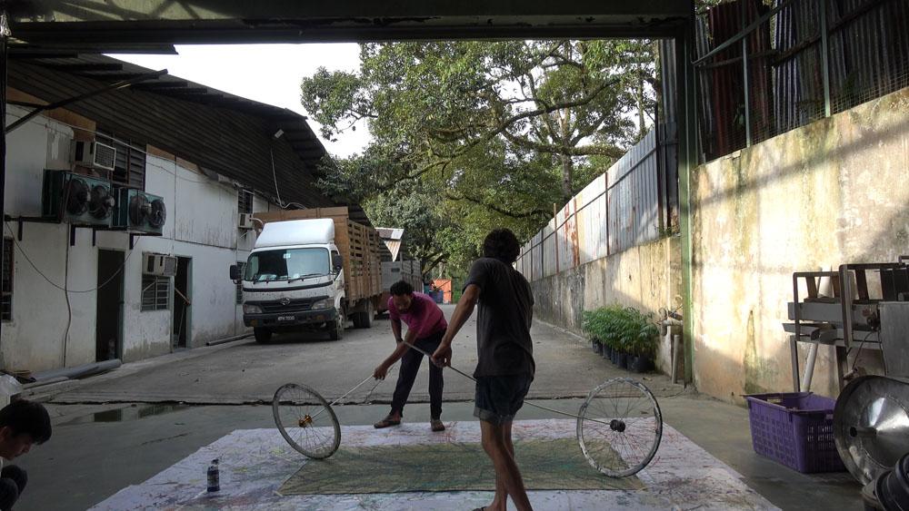 Taman Setia Jaya, Rawang, 160627 (8 Painters : 4 Wheels)