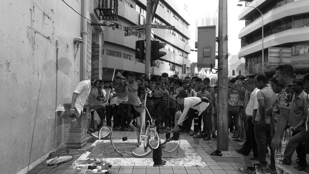 Jalan Hang Lekiu, Kuala Lumpur, 160626 (6 Painters : 3 Wheels)