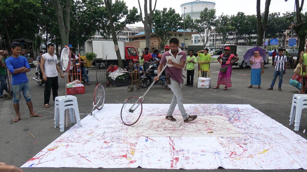 Pusat Bandar Utara Selayang, 160612 (14 Painters : 3 Wheels)