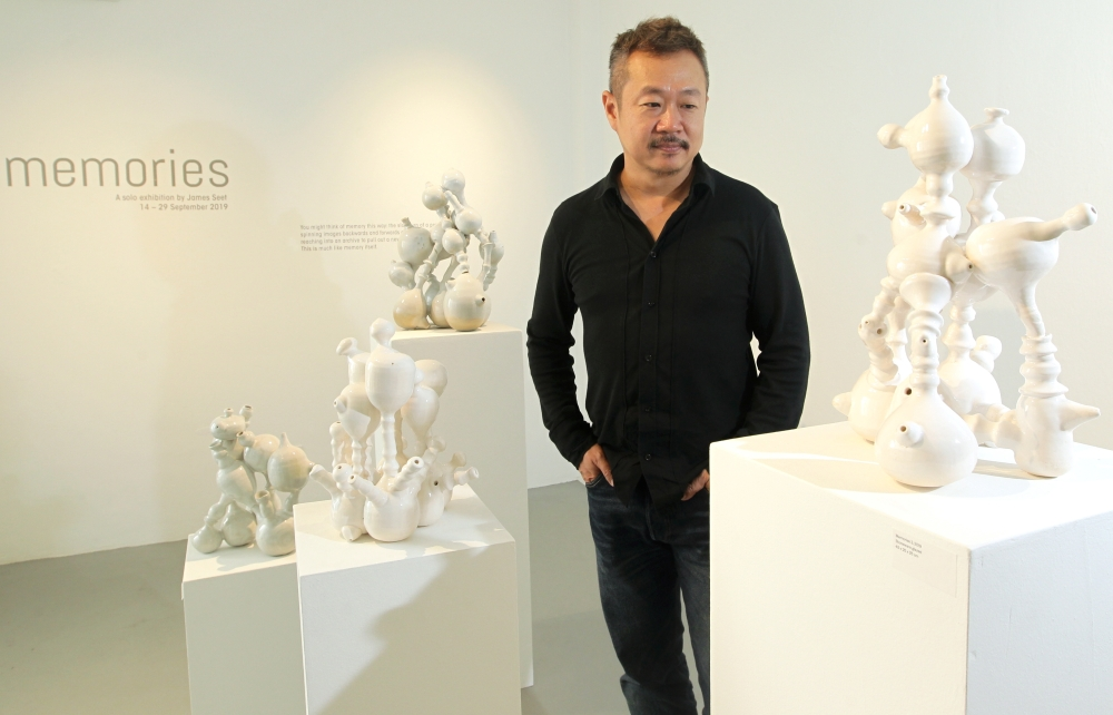 Star2 – This Sculptor Wants The Public To Interact With His Installations